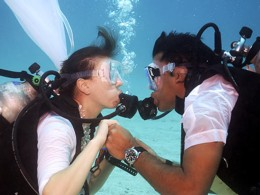 NEW DIVING TRENDS: SCUBA DIVERS TAKE THE PLUNGE AND GET MARRIED UNDERWATER